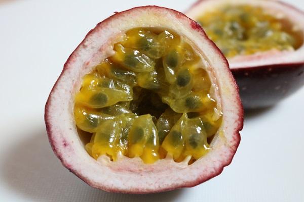 パッションフルーツ果実の中身